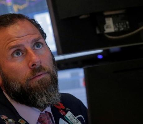 Dow прекъсна своята възходяща серия заради сътресенията на петролните пазари